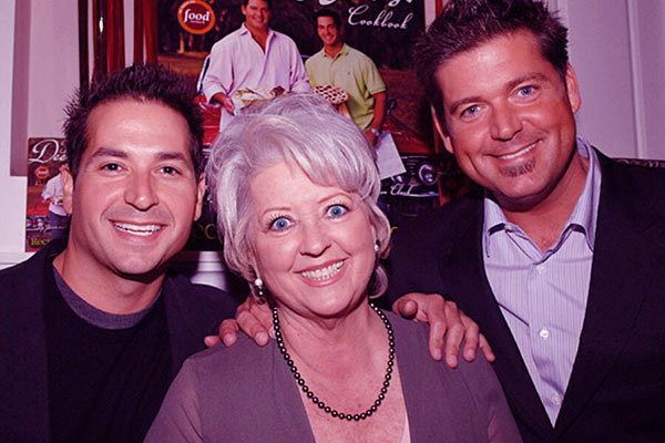 Image of Paul Deen with her son Jamie and Bobby