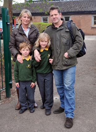 Photo of Matt Tebbutt's Wife Lisa Tebbutt and kids.