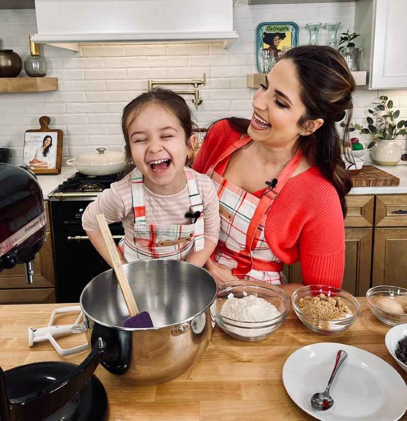 Image of trending famous cook, Laura Vitale and daughter